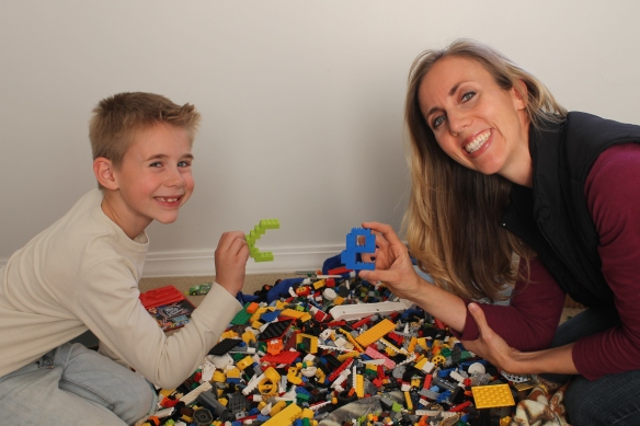 Elsje and son playing legos